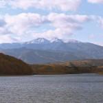 蔵王連峰を望む、釜房湖畔の秋