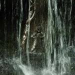 黒瀧不動尊のご本尊は、滝の中に祀られています