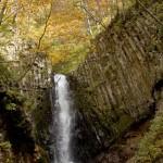 美しさが際立つ、仙人大滝の秋