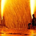 ボートピア川崎の「みちのく川崎花火フェスタ」で、東北で唯一の手筒花火が見られる(撮影: 2013年)
