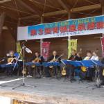 「青根温泉感謝祭」にて、作曲家·古賀政男を偲ぶ「古賀メロディーギターアンサンブルコンサート」